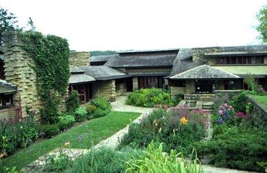 Frank lloyd wright 1867 1959 architecture organique for Frank lloyd wright casa della prateria