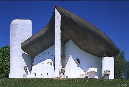 Le_Corbusier-Chapelle_Notre-Dame-du-Haut-Ronchamp