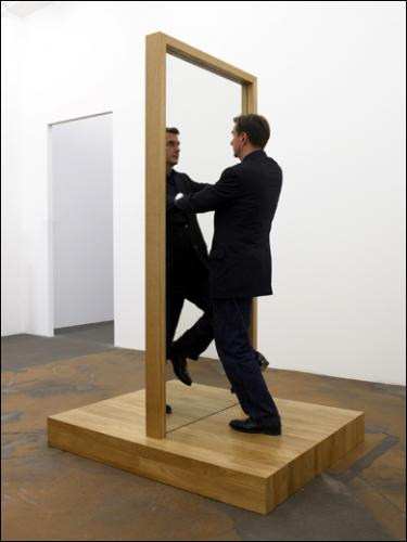 Philippe ramette 1961 ren magritte 1898 1967 for Regard dans le miroir que tu vois