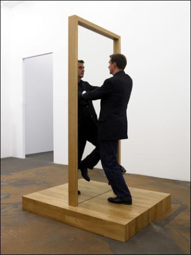Philippe ramette 1961 ren magritte 1898 1967 for Rene magritte le faux miroir