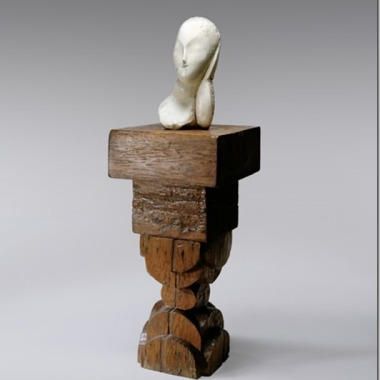 Constantin Brancusi, « Muse en marbre blanc », 1912. Socle en bois vers 1920 (© Solomon R. Guggenheim Foundation, New York / David Heald / © 2011, ProLitteris, Zürich)