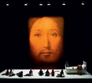 romeo-castellucci-au-theatre-l-interdit-c-est-la-realite,M90346
