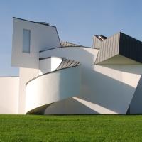 Frank O. Gehry (1929) § maisons folles