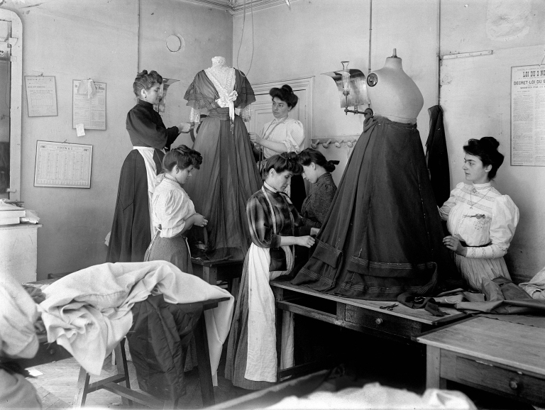 PARIS - ATELIER DE COUTURE WORTH