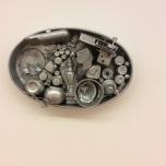 Travessa oval, 1962, Collage d'objets peints aluminium.
