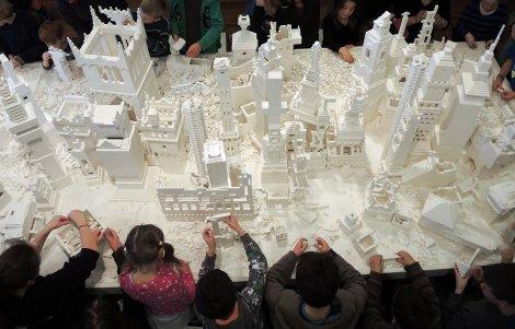 Lego_Installation_DAG_II_jpg_940x2000_q85