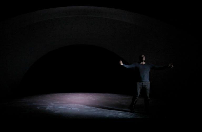 REVE ET FOLIE de Georg Trakl, mise en scene de Claude Regy au theatre de Nanterre Amandiers du 15 septembre au 21 octobre 2016. Avec: Yann Boudaud. (photo by Pascal Victor/ArtComArt)