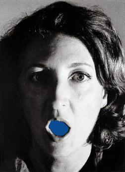 Helena Almeida, A casa (la maison), 1979, 40x29cm. Coll. Mario Sequeira