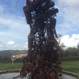 Arman, Monument sédentaire, 1999/2000